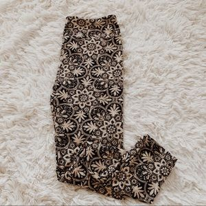LuLaRoe • Leggings • One Size